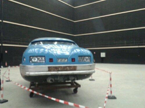 le tableau de bord de la voiture de police #5eElément