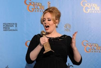 Adele, et son Golden Globe de la meilleure chanson.