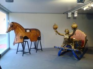 décors du Casanova de Fellini à gauche et de Ludwig de Visconti - à droite